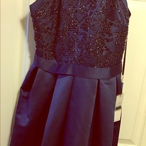 Dresses & Skirts - NWT Beautiful  Navy prom/event dress